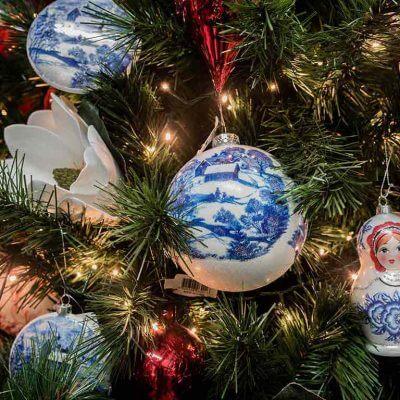Christmas-On-Main-Mornington-Peninsula-trees-baubles-decorations