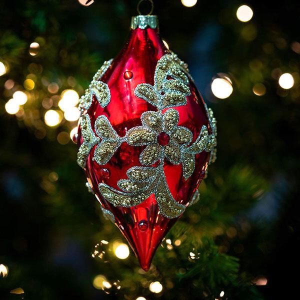 christmas-on-main-gold