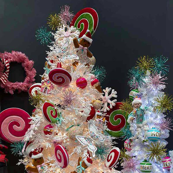 christmas-on-main-lighted-ornaments
