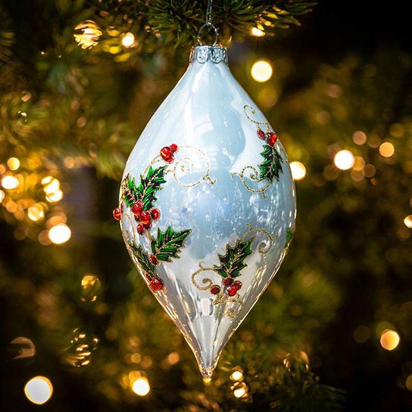 christmas-on-main-white